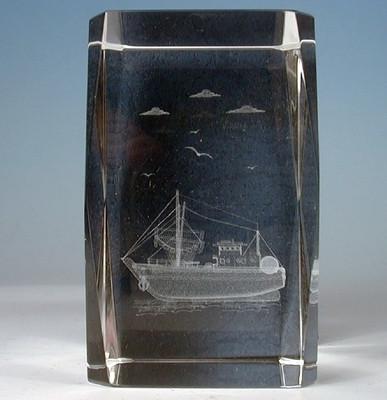 21207 Laser Glas Quader Fischerboot