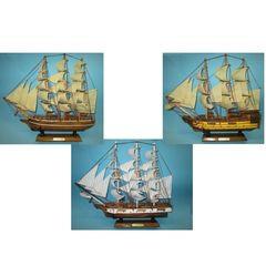 22093  Historische Segelschiffe 45cm