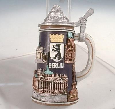 24875  Magnet Bierkrug Berlin