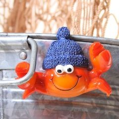 25501 Magnet Krebs mit blauer Mütze