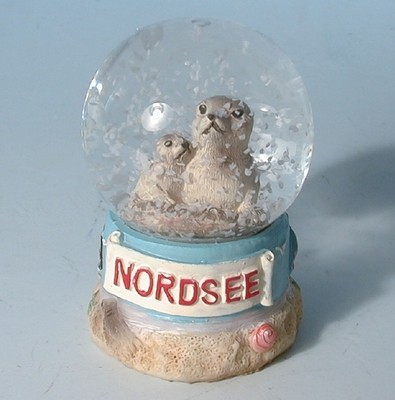 28429 Schneekugel Seehund NORDSEE